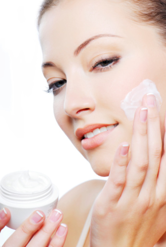 3 Essential products to have in your Daily skincare routine